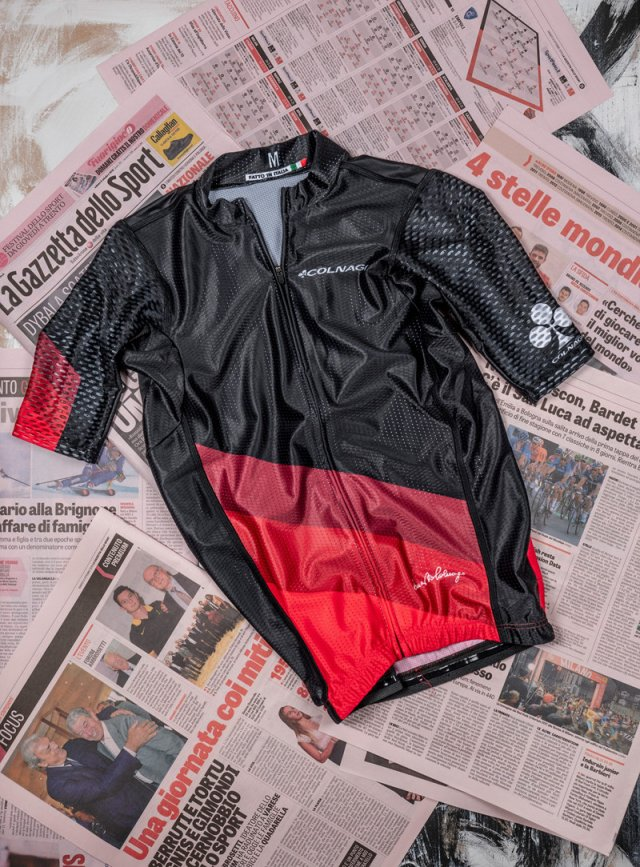 racing-maglia-manica-nera-rossa